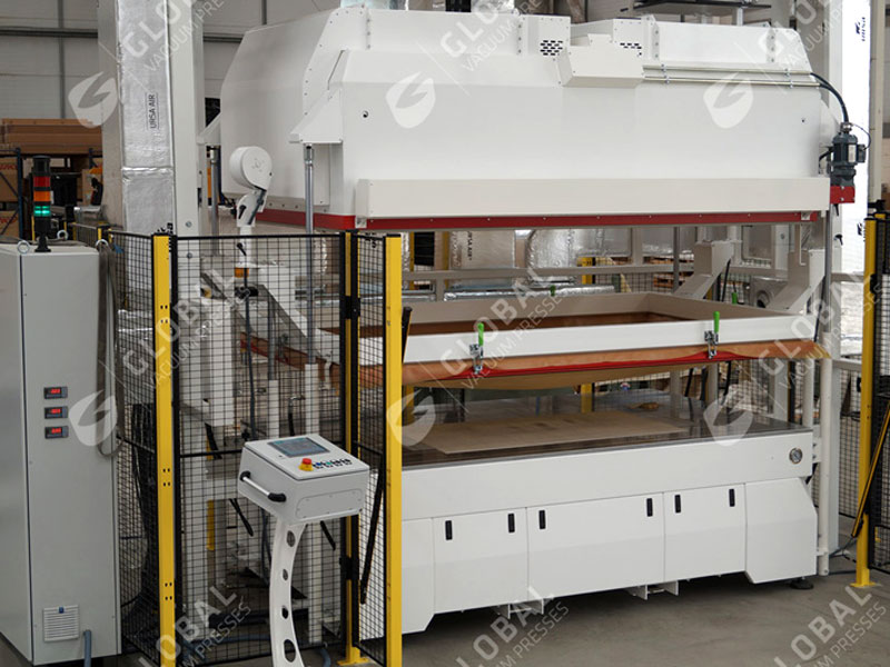 atmos vakuumpresse global automotive sondermaschine 800x600