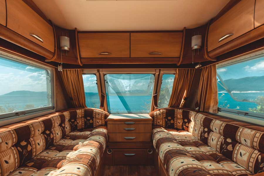 shutterstock.com Sergey Tinyakov 900x600